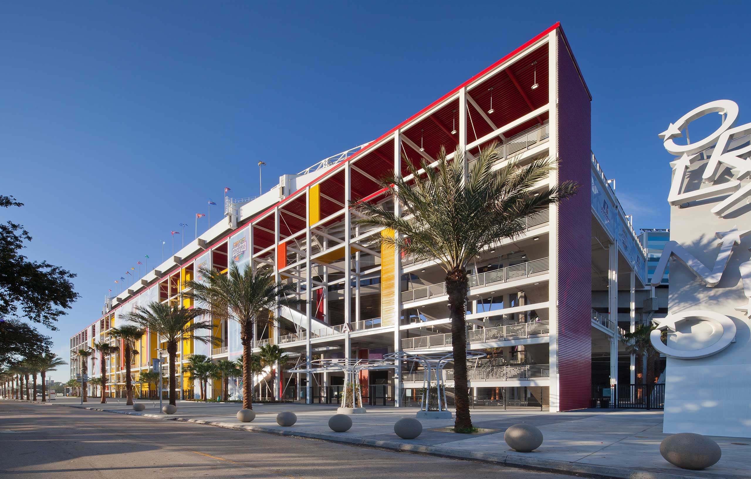 http://www.rbarchitects.com/wp-content/uploads/2015/09/RB_CitrusBowl-2.jpg